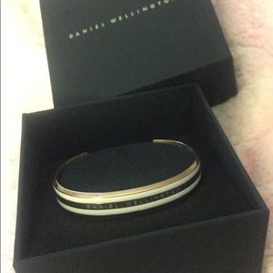 NWT Daniel Wellington Classic bracelet in Gold